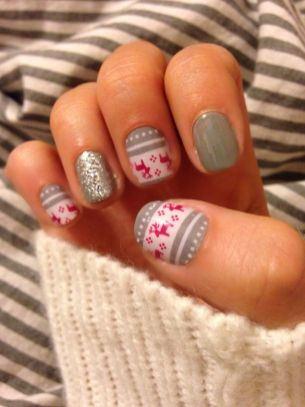 Gorgeous christmas nails ideas 54