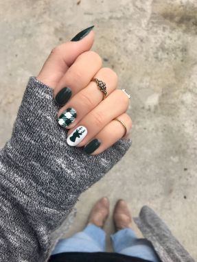 Gorgeous christmas nails ideas 57