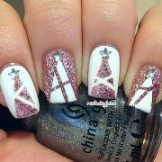 Gorgeous christmas nails ideas 70