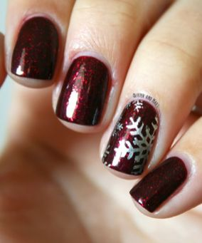 Gorgeous christmas nails ideas 8