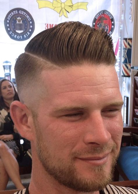 Men classy modern pompadour hairstyle 21