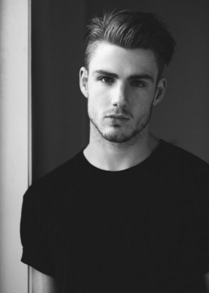 Men classy modern pompadour hairstyle 31