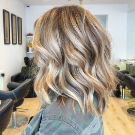 Stylish blonde lobs haircut ideas 11