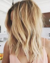 Stylish blonde lobs haircut ideas 18