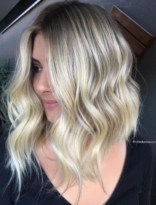 Stylish blonde lobs haircut ideas 25