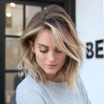 Stylish blonde lobs haircut ideas 33