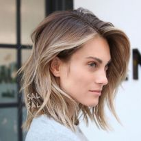 Stylish blonde lobs haircut ideas 36