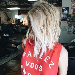 Stylish blonde lobs haircut ideas 47