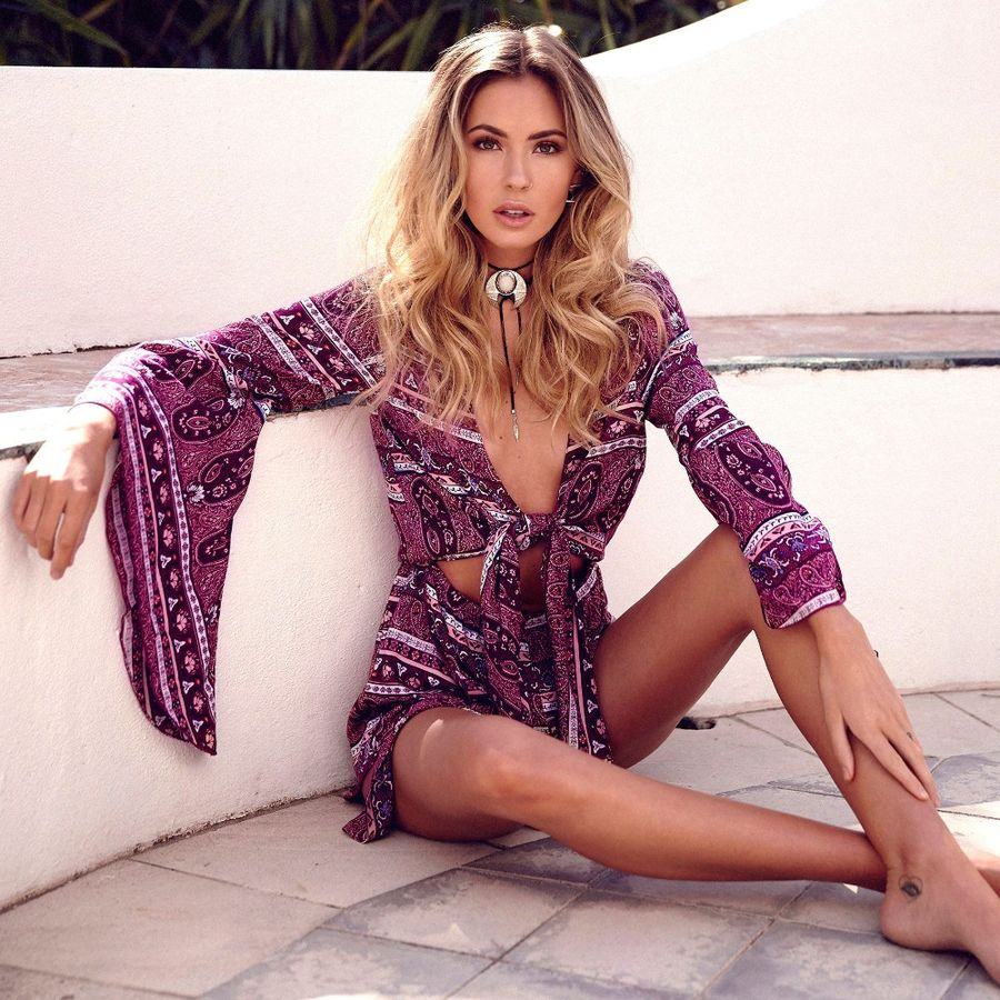 Boho dress for holiday and vacation outfits 15