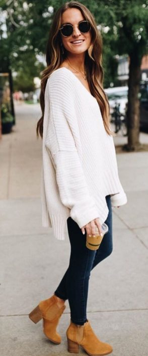 Fashionable oversized sweater for winter outfit 13
