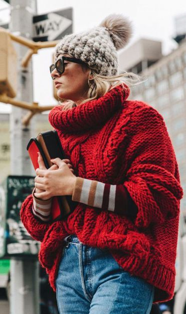 Fashionable oversized sweater for winter outfit 14