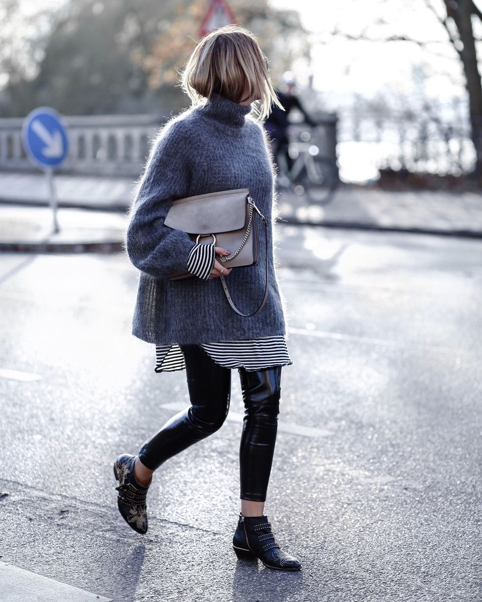 Fashionable oversized sweater for winter outfit 31