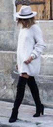 Fashionable oversized sweater for winter outfit 35