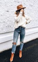 Fashionable oversized sweater for winter outfit 41