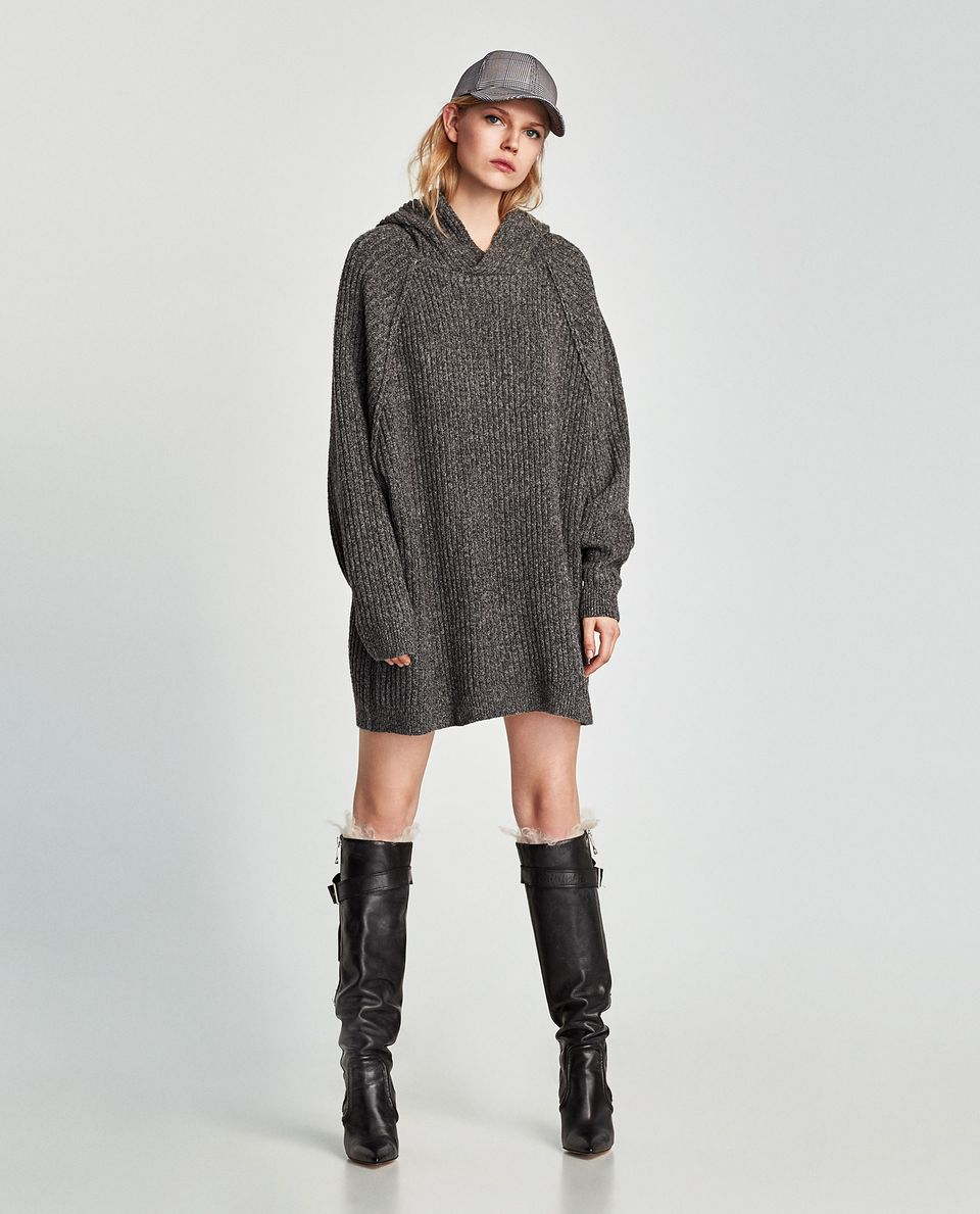 Fashionable oversized sweater for winter outfit 42