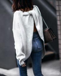 Fashionable oversized sweater for winter outfit 46