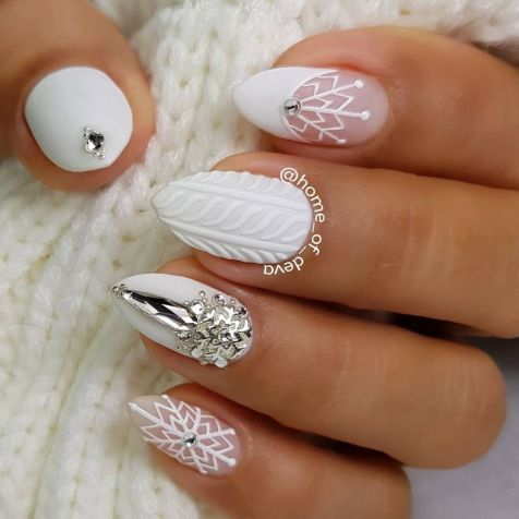 Pretty winter nails art design inspirations 20