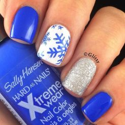 Pretty winter nails art design inspirations 46