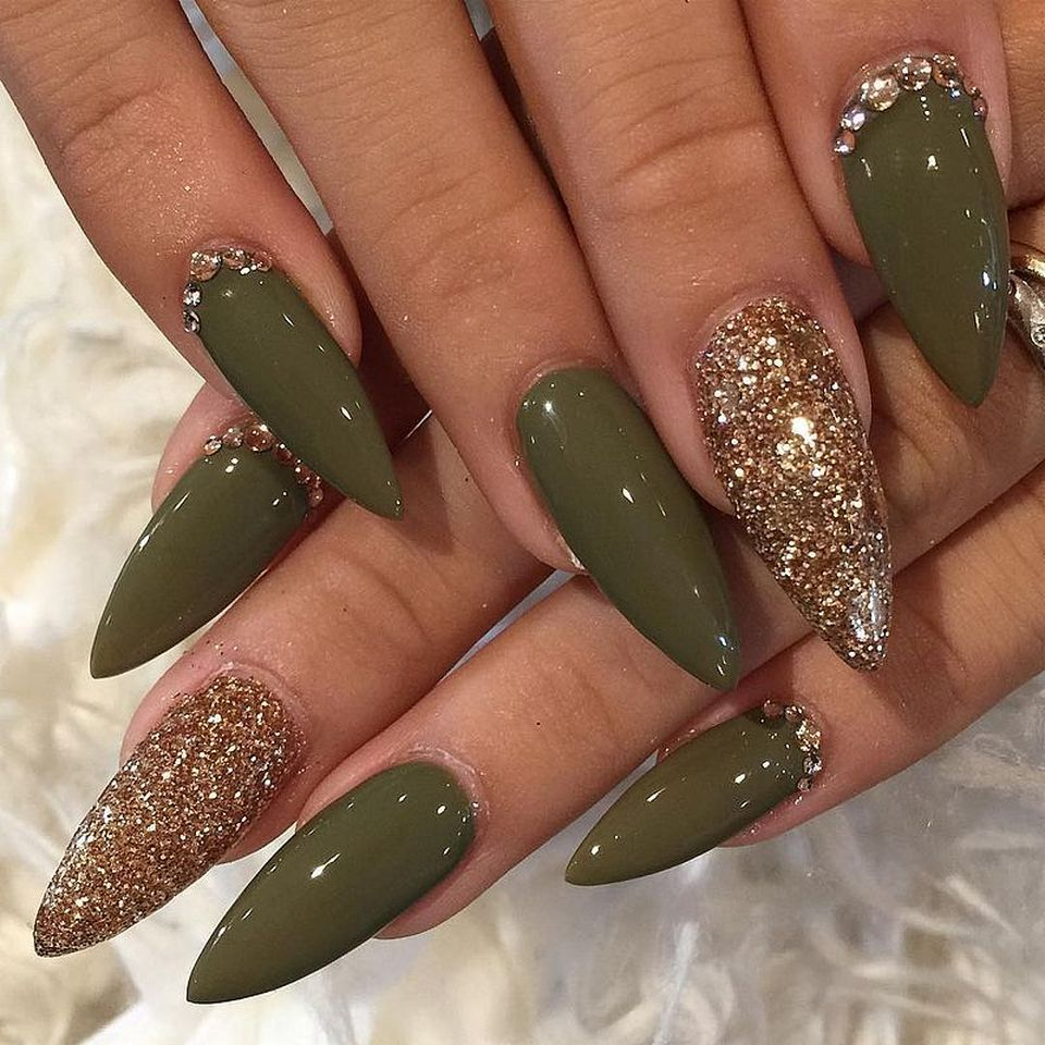 Sweet acrylic nails ideas for winter 126