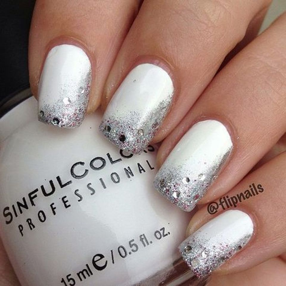 Sweet acrylic nails ideas for winter 24