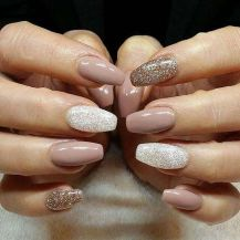 Sweet acrylic nails ideas for winter 63
