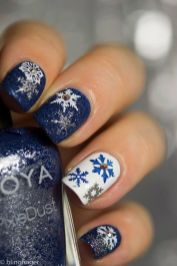 Sweet acrylic nails ideas for winter 70