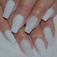 Sweet acrylic nails ideas for winter 8