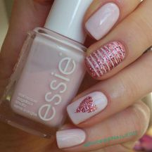 Lovely valentine nails design ideas 25