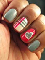 Lovely valentine nails design ideas 28