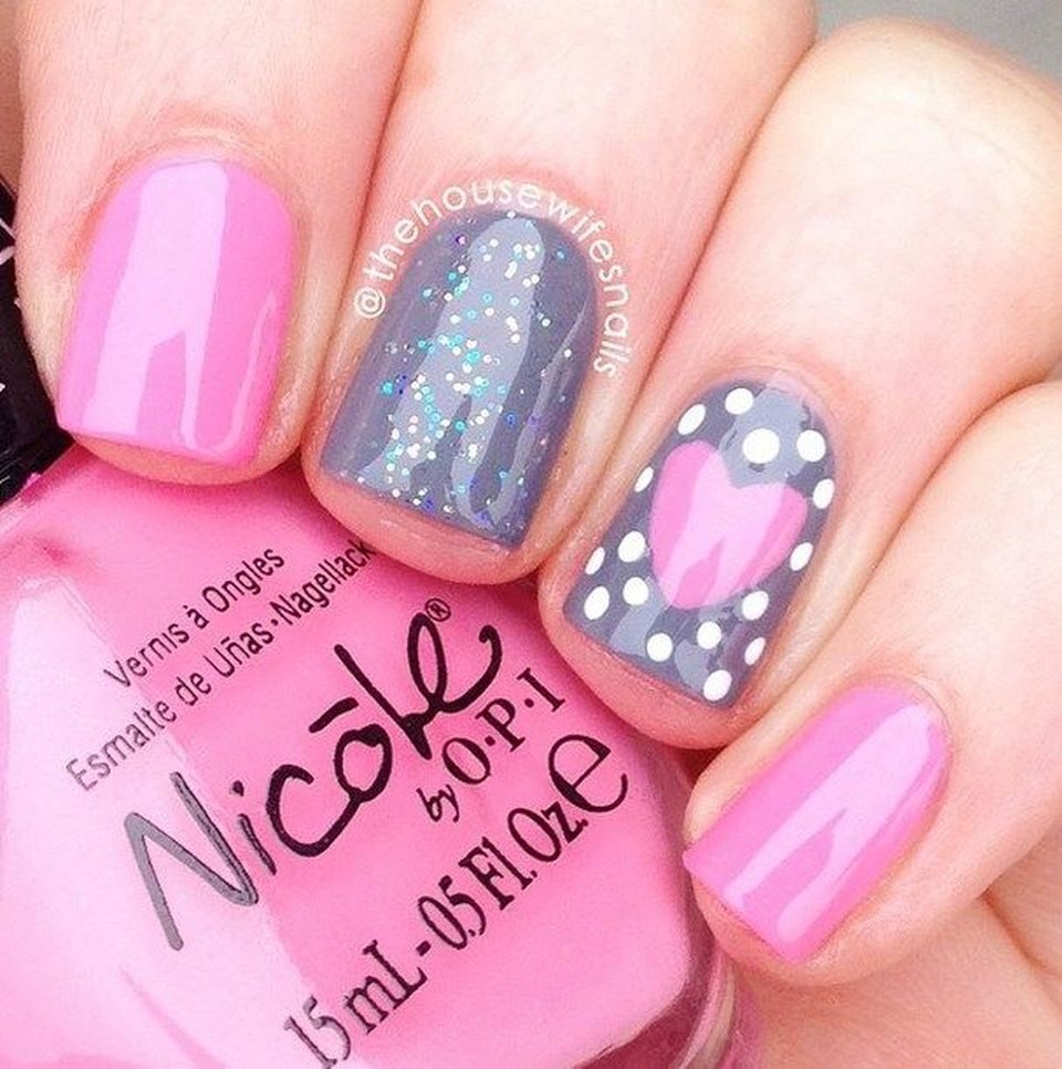 Lovely valentine nails design ideas 33