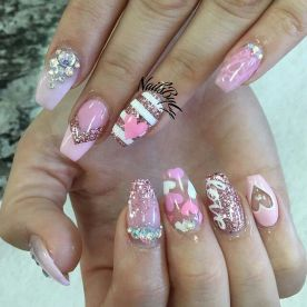 Lovely valentine nails design ideas 54