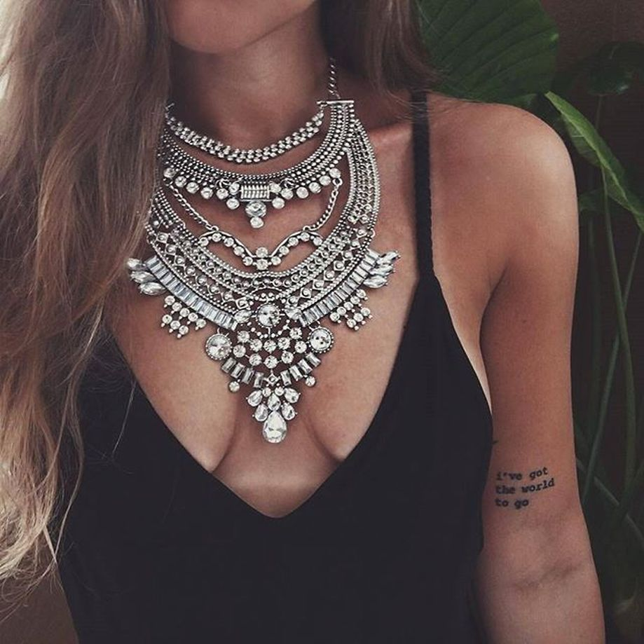 Beautiful Plunder Necklace Ideas for Summers 30