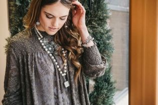 Beautiful Plunder Necklace Ideas for Summers 31