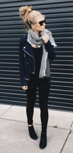 Inspiring Spring Outfits Ideas for Young Mom 10