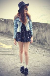 Inspiring Spring Outfits Ideas for Young Mom 17