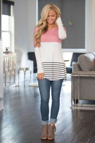 Inspiring Spring Outfits Ideas for Young Mom 29