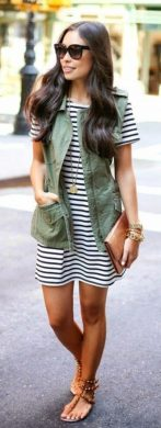 Inspiring Spring Outfits Ideas for Young Mom 39