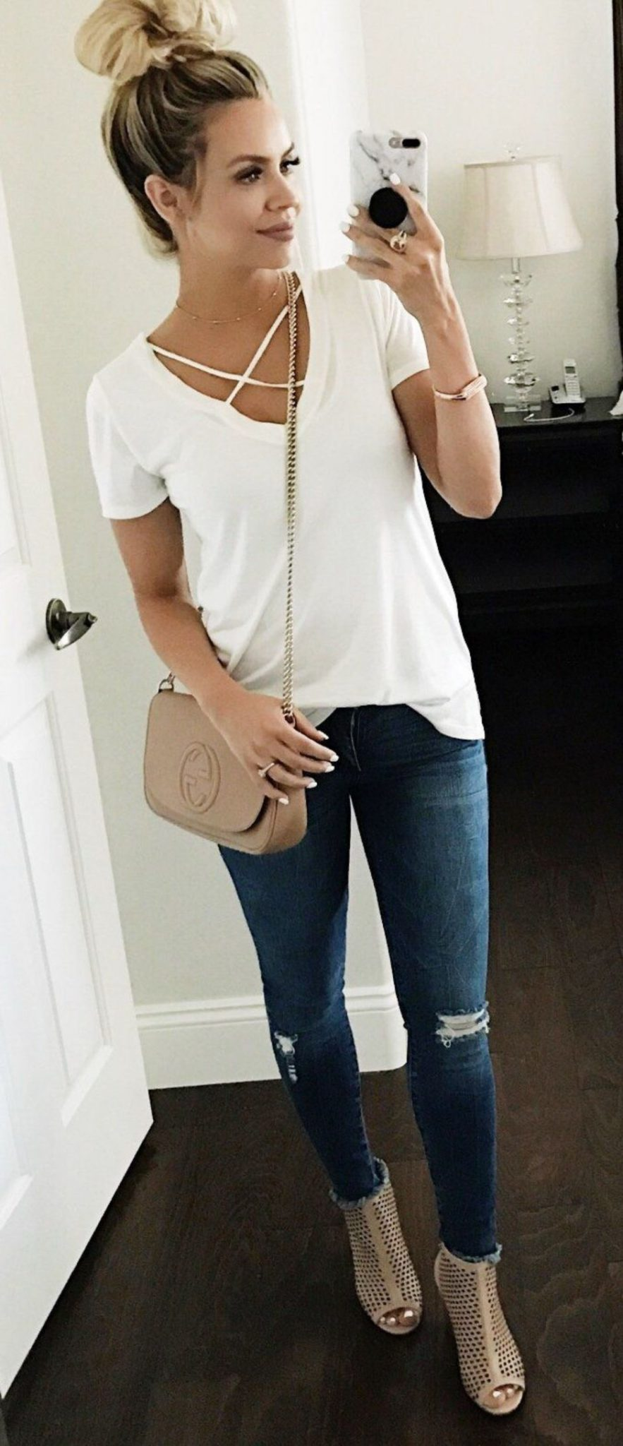 Inspiring Spring Outfits Ideas for Young Mom 40