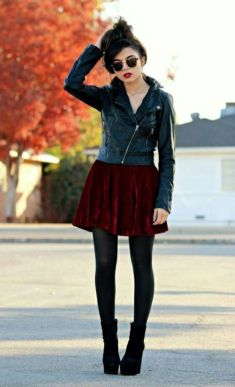 Inspiring Spring Outfits Ideas for Young Mom 9