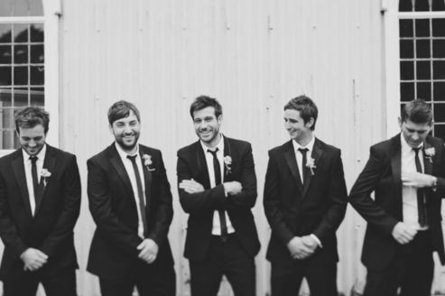 100+ Groomsmen Photos Poses Ideas You Can't Miss 15