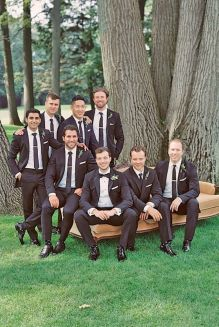 100+ Groomsmen Photos Poses Ideas You Can't Miss 16