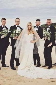 100+ Groomsmen Photos Poses Ideas You Can't Miss 68