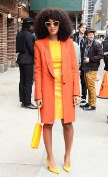 55 Orange Outfit Ideas That Make You Look Young and Fresh 18
