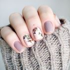 Awesome Floral Nails Design Ideas 14