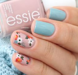 Awesome Floral Nails Design Ideas 27