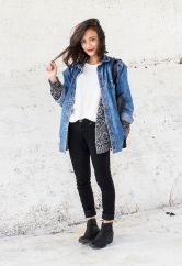 Denim Jacket Outfits Inspirations for Girl 25