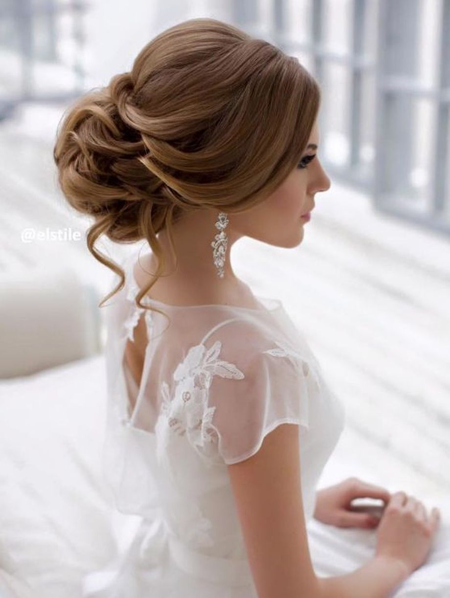 simpe but classy bridal hair do 23
