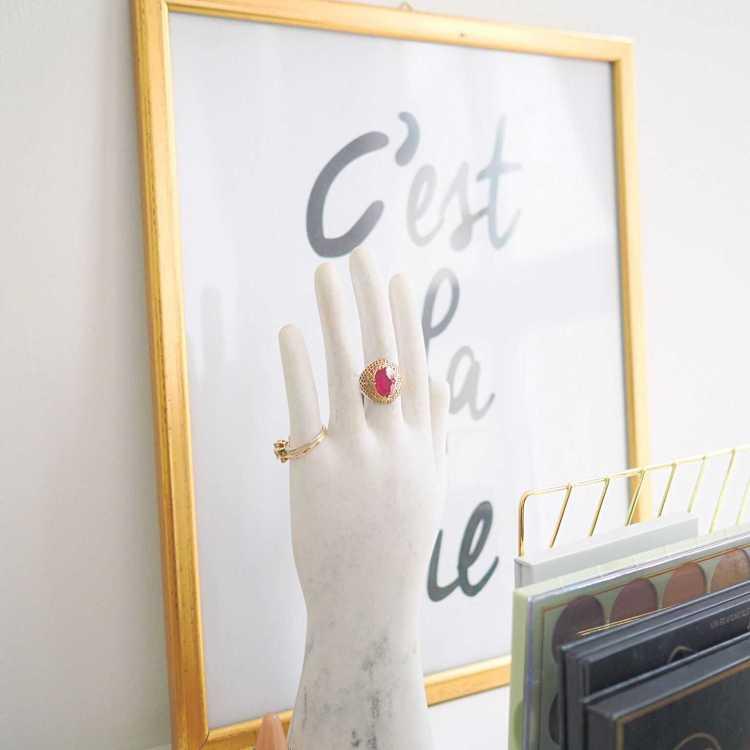 סיור בחדר העבודה שלי Fashion Tails Luba Shraga