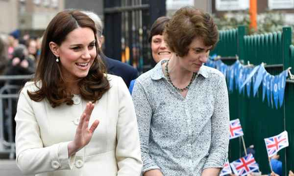 Kate Middleton looks stylish in a cream coat by Jojo Maman ...