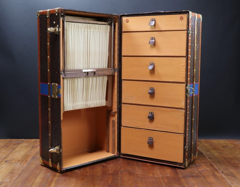 Mame Fashion Dictionary: Louis Vuitton Wardrobe Trunk